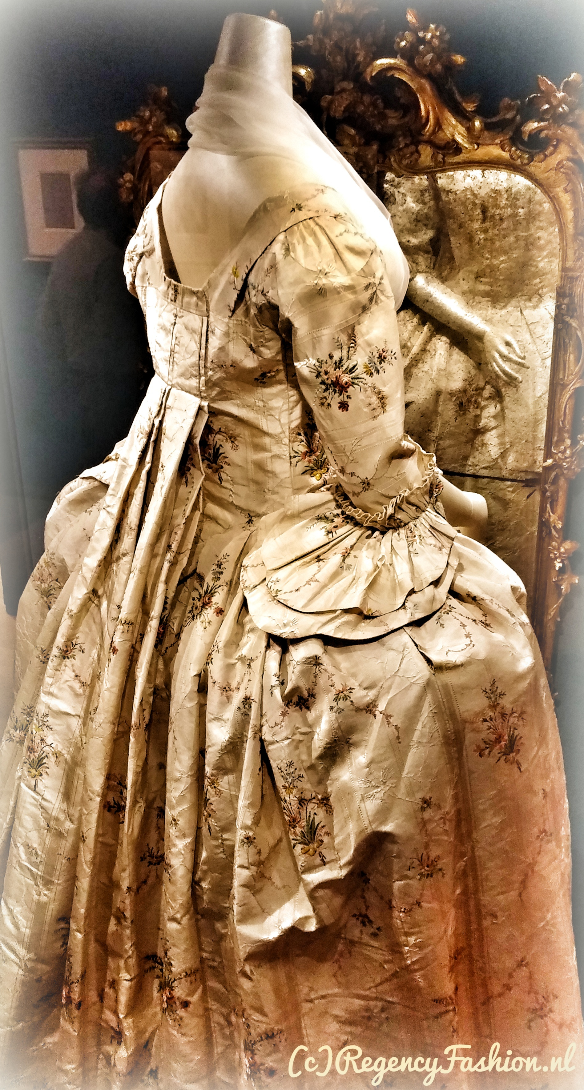 Watteau exhibition | Regency Fashion